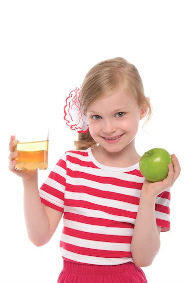 girl with apple and tea